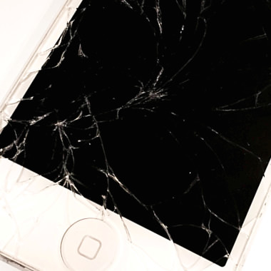 破損したiPhone液晶ガラス